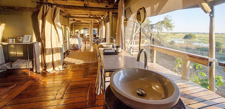 Mombo-Camp-Bath